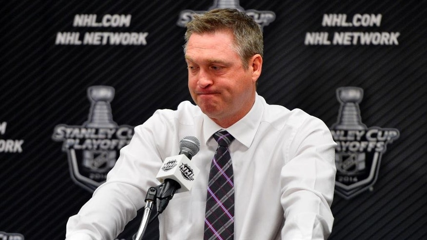 Patrick Roy quits as coach of Avalanche