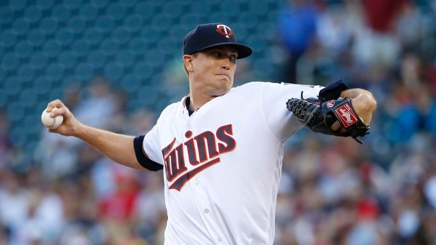Minnesota Twins starting pitcher Kyle Gibson delivers to the New York Yankees during the first inning in Minneapolis on Thursday, June 16, 2016.