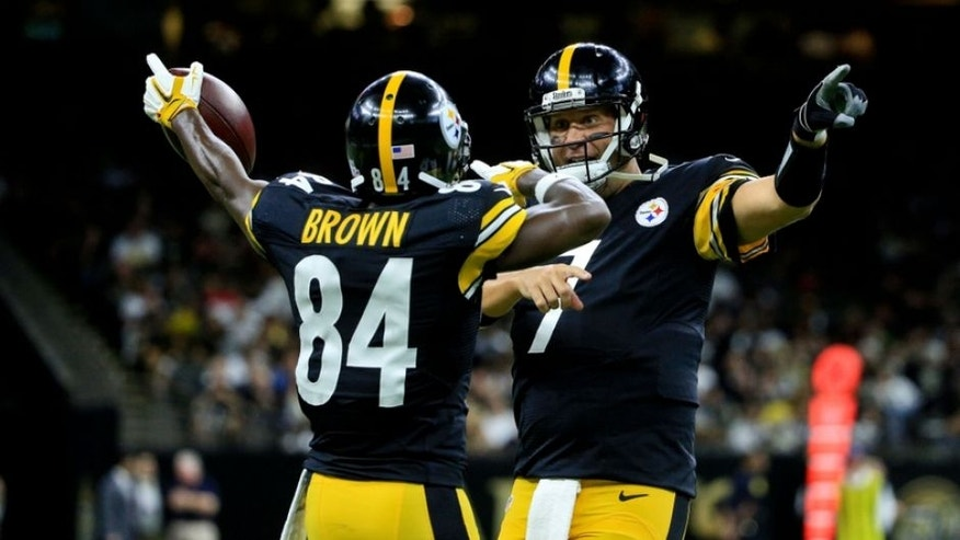 Aug 26, 2016; New Orleans, LA, USA; Pittsburgh Steelers quarterback Ben Roethlisberger (7) celebrates after a touchdown with wide receiver Antonio Brown (84) during the first half of a preseason game against the New Orleans Saints at Mercedes-Benz Superdome. Mandatory Credit: Derick E. Hingle-USA TODAY Sports