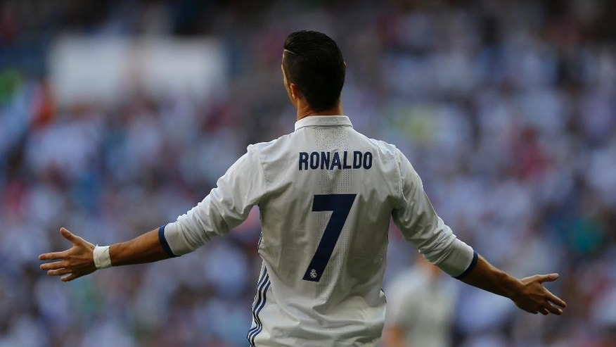 Real Madrid's Cristiano Ronaldo gestures during the Spanish La Liga soccer match between Real Madrid and Eibar at the Santiago Bernabeu stadium in Madrid, Sunday, Oct. 2, 2016. (AP Photo/Francisco Seco)