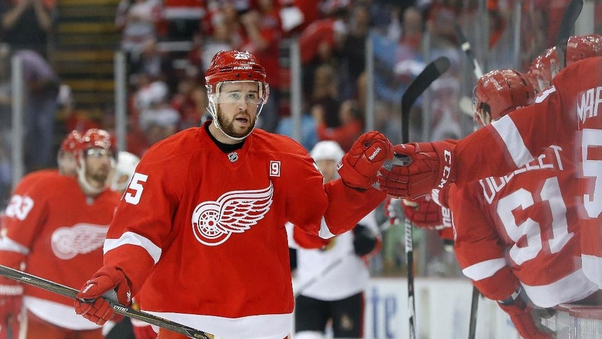 Detroit Red Wings defenseman Mike Green celebrates his goal against the Ottawa Senators in the first period of an NHL hockey game at Joe Louis Arena, Monday, Oct. 17, 2016 in Detroit. (AP Photo/Paul Sancya)