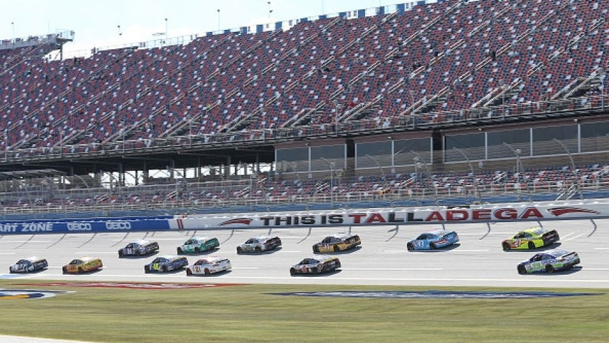 TALLADEGA, AL - OCTOBER 21: Chase Elliott, driver of the #24 NAPA Auto Parts Chevrolet, leads a pack of cars during practice for the NASCAR Sprint Cup Series Hellmann's 500 at Talladega Superspeedway on October 21, 2016 in Talladega, Alabama. (Photo by Jerry Markland/Getty Images)
