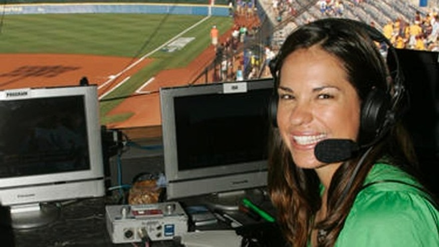 Jessica Mendoza Stepping Out Of Historic Season In