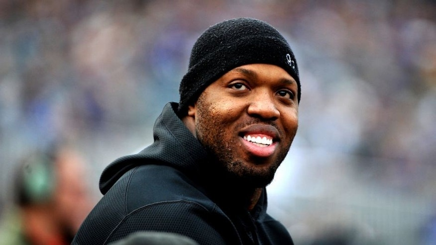 BALTIMORE, MD - DECEMBER 27, 2015: Linebacker Terrell Suggs #55 of the Baltimore Ravens watches the action from the sideline during a game against the Pittsburgh Steelers on December 27, 2015 at M&T Bank Stadium in Baltimore, Maryland. Baltimore won 20-17. (Photo by: Nick Cammett/Diamond Images/Getty Images)