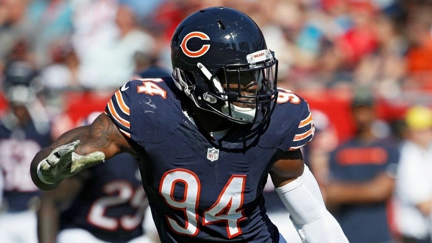 TAMPA, FL - NOVEMBER 13: Leonard Floyd #94 of the Chicago Bears in action during the game against the Tampa Bay Buccaneers at Raymond James Stadium on November 13, 2016 in Tampa, Florida. The Bucs defeated the Bears 36-10. (Photo by Joe Robbins/Getty Images)