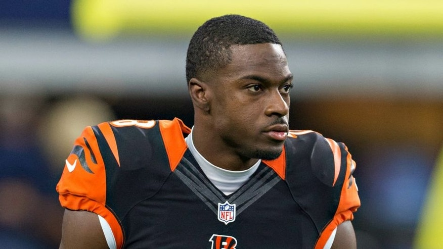 ARLINGTON, TX - OCTOBER 09: A.J. Green #18 of the Cincinnati Bengals warming up before a game against the Dallas Cowboys at AT&T Stadium on October 9, 2016 in Arlington, Texas. The Cowboys defeated the Bengals 28-14. (Photo by Wesley Hitt/Getty Images)