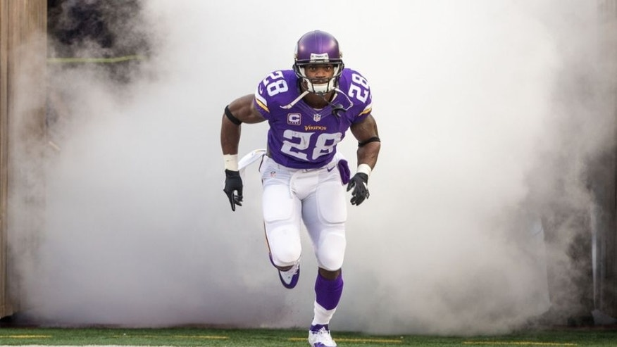 Peterson, Vikings taking cautious approach to return