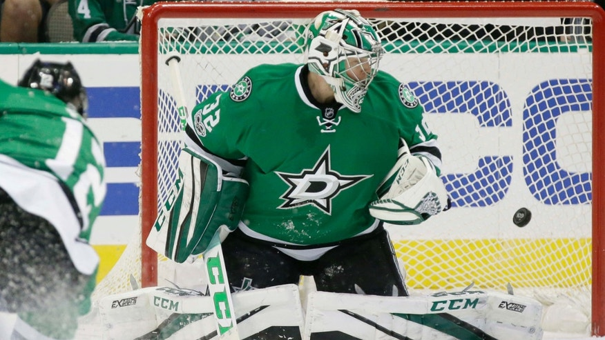 Jan. 4, 2017: Dallas Stars goalie Kari Lehtonen (32) allows a goal by Montreal Canadiens defenseman Nathan Beaulieu, not shown, during the first period of an NHL hockey game in Dallas