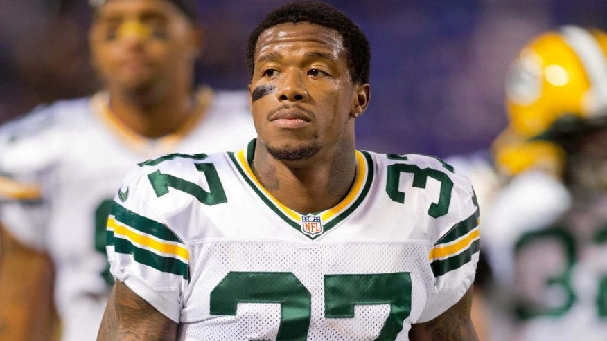 Oct 27, 2013; Minneapolis, MN, USA; Green Bay Packers cornerback Sam Shields (37) gets ready to play against the Minnesota Vikings at Mall of America Field at H.H.H. Metrodome. The Packers win 44-31. Mandatory Credit: Bruce Kluckhohn-USA TODAY Sports
