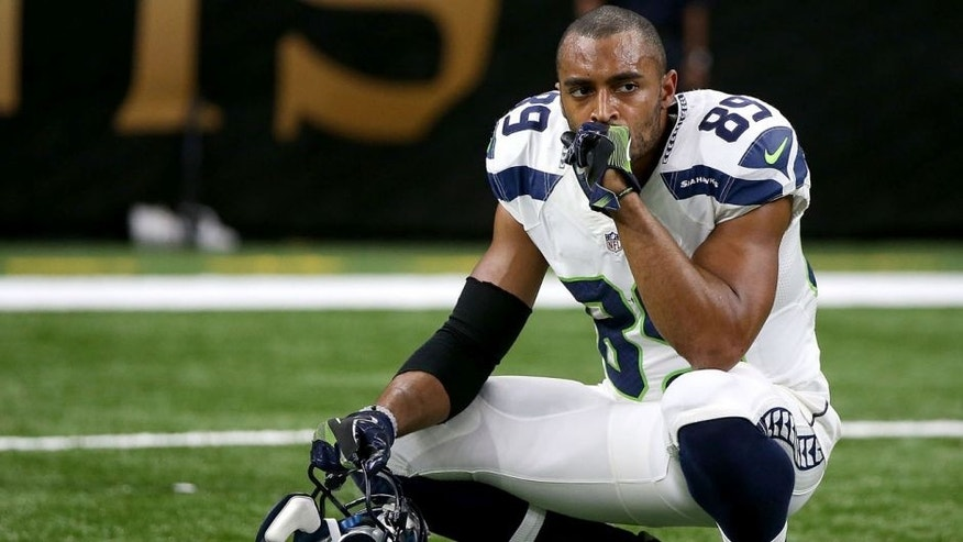 NEW ORLEANS, LA - OCTOBER 30: Doug Baldwin #89 of the Seattle Seahawks reacts after losing to the New Orleans Saints at the Mercedes-Benz Superdome on October 30, 2016 in New Orleans, Louisiana. New Orleans won the game 25-20. (Photo by Sean Gardner/Getty Images)