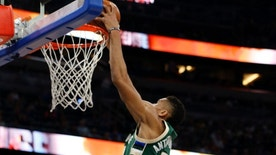 Jan 20, 2017; Orlando, FL, USA;Milwaukee Bucks forward Giannis Antetokounmpo (34) dunks against the Orlando Magic during the first half at Amway Center. Mandatory Credit: Kim Klement-USA TODAY Sports