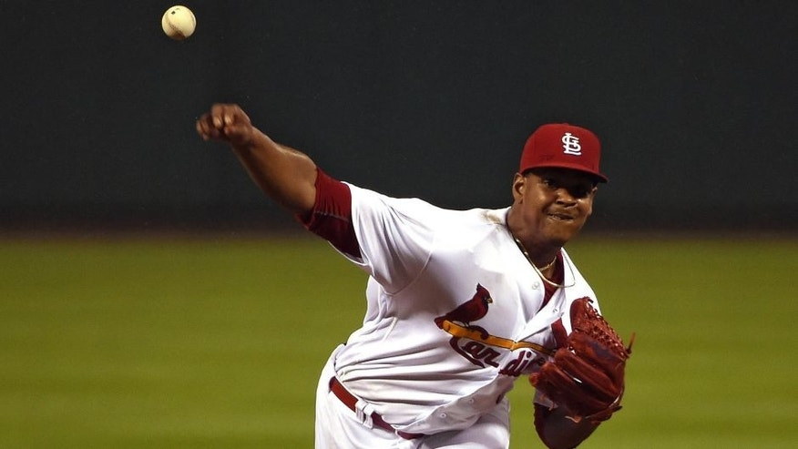 Cardinals' Reyes to undergo MRI on right elbow