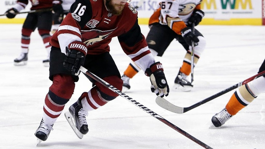 Arizona Coyotes left wing Max Domi (16) drives towards the net in the second period of an NHL hockey game against the Anaheim Ducks, Monday, Feb. 20, 2017, in Glendale, Ariz. (AP Photo/Rick Scuteri)