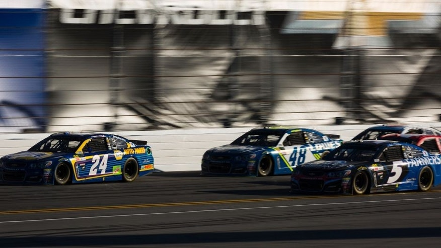 2017 NASCAR Monster Energy Cup - Daytona 500 Daytona International Speedway, Daytona Beach, FL USA Sunday 26 February 2017 Chase Elliott, Kasey Kahne, and Jimmie Johnson World Copyright: Barry Cantrell/LAT Images ref: Digital Image 17DAY2bc3539
