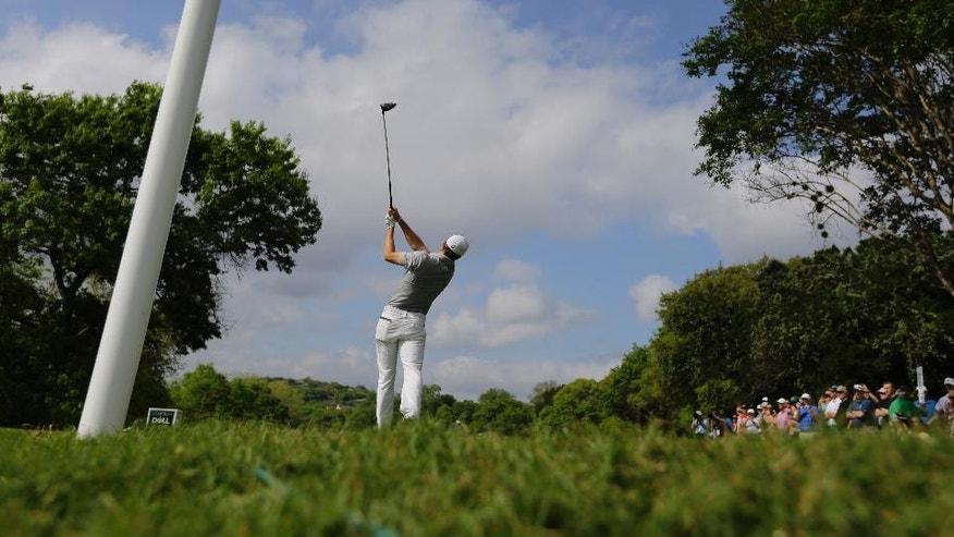 Jordan Spieth plays his shot from the third tee during round-robin play against Hideto Tanihara of Japan at the Dell Technologies Match Play golf tournament at Austin County Club, Wednesday, March 22, 2017, in Austin, Texas. (AP Photo/Eric Gay)