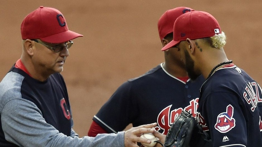 Carlos Carrasco leaves start for Indians with pectoral tightness