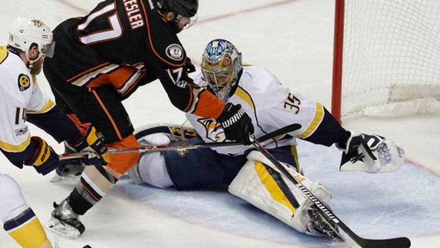 Anaheim Ducks center Ryan Kesler misses a shot against Nashville Predators goalie Pekka Rinne during the first period of Game 5 in the NHL hockey Stanley Cup Western Conference finals in Anaheim, Calif., Saturday, May 20, 2017. (AP Photo/Chris Carlson)