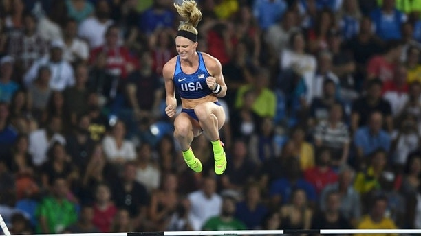 2016 Rio Olympics - Athletics - Final - Women's Pole Vault Final - Olympic Stadium - Rio de Janeiro, Brazil - 19/08/2016. Sandi Morris (USA) of USA competes.  REUTERS/Dylan Martinez  FOR EDITORIAL USE ONLY. NOT FOR SALE FOR MARKETING OR ADVERTISING CAMPAIGNS.   - RIOEC8K06HWSQ
