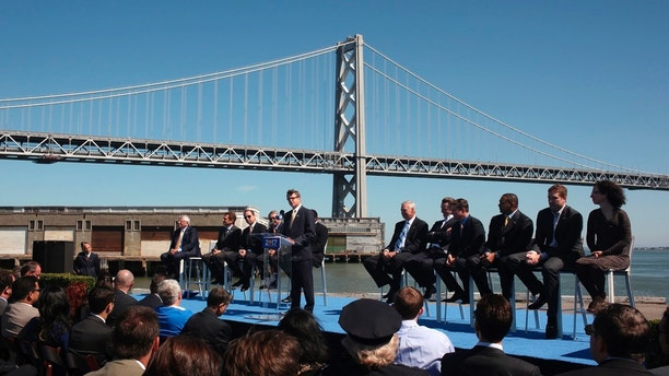Golden State Warriors President and Chief Operating Officer Rick Welts addresses a news conference on Piers 30-32 in San Francisco, California May 22, 2012. Welts was joined by NBA Commissioner David Stern (L) and Warriors executives in announcing the Warriors' plan to build a new, privately financed sports and entertainment arena on the waterfront, and move in for the 2017-18 season. REUTERS/Robert Galbraith  (UNITED STATES - Tags: SPORT BASKETBALL) - GM1E85N0BTK01