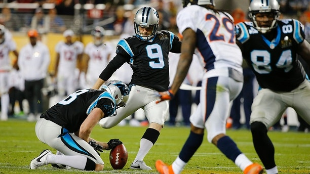 Carolina Panthers' Graham Gano (9) kicks a field goal in the fourth quarter against the Denver Broncos during the NFL's Super Bowl 50 football game in Santa Clara, California February 7, 2016.   REUTERS/Mike Blake - TB3EC28089ANN