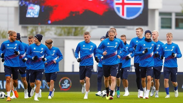 Soccer Football - World Cup 2018 - Icelandís national soccer team training - Laugardalsvoellur stadium, Reykjavik, Iceland - June 1, 2018. Iceland's national soccer team is seen during training. REUTERS/Hannibal Hanschke - RC127AFE7000