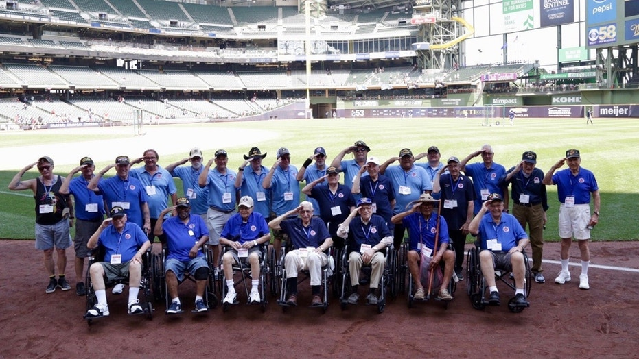 1530892056864 - Milwaukee Brewers honor military veterans with Fourth of July ceremony