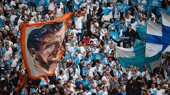 Marseille fans cheer prior to the UEFA Europa League final football match between Olympique de Marseille and Club Atletico de Madrid at the Parc OL stadium in Decines-Charpieu, near Lyon on May 16, 2018. (Photo by FRANCK FIFE / AFP)        (Photo credit should read FRANCK FIFE/AFP/Getty Images)