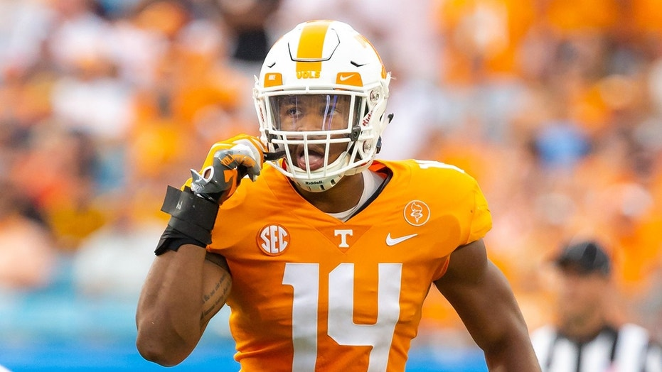Tennessee Volunteers linebacker Quart'e Sapp (14) looks across the line of scrimmage during game between the West Virginia Mountaineers and the Tennessee Volunteers on September 1.