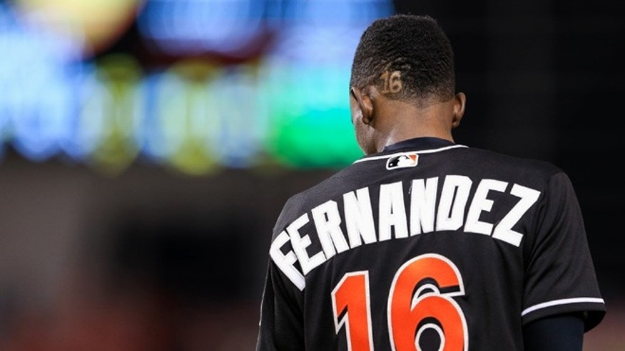 MIAMI, FL - SEPTEMBER 26: Dee Gordon of the Miami Marlins wearing a Jose Fernandez jersey in honor of the late pitcher during the game against the New York Mets at Marlins Park on September 26, 2016 in Miami, Florida. (Photo by Rob Foldy/Getty Images)