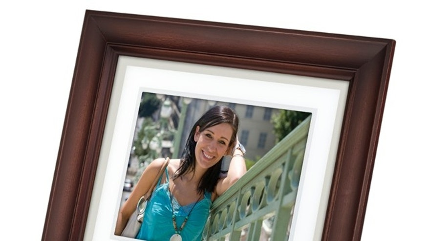 Some frames use LCD panels with fewer pixels than others. This means they can't display as much detail as frames with higher resolutions, such as the Kodak EasyShare D830 8-inch digital frame with its 800 by 600 resolution.