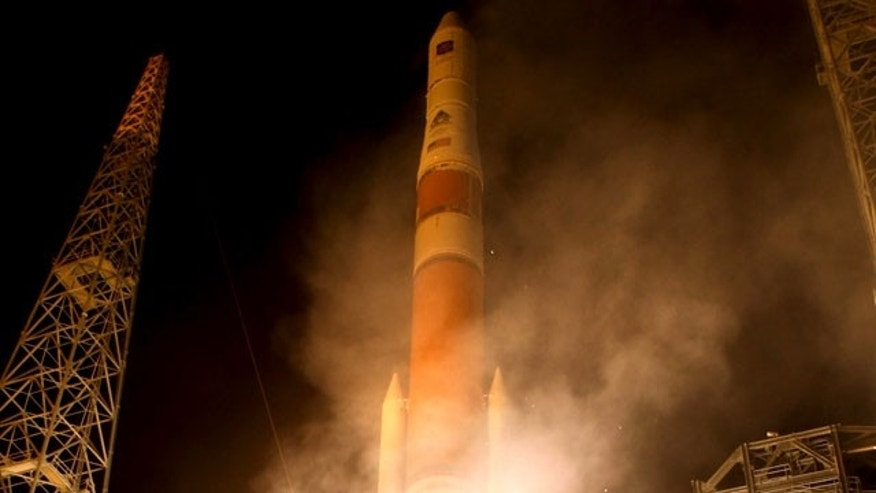A Delta 4 rocket blasts off with the GPS 2F-1 navigation satellite aboard for the U.S. military and civilian services.