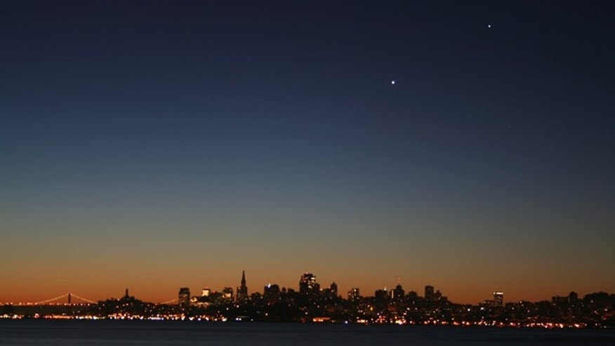 Venus and Jupiter hover over San Francisco like UFOs -- and you can expect countless reports of unidentified object, thanks to the planets.