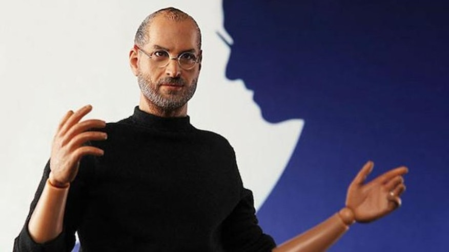 A suprisingly lifelike collectible model of Apple founder Steve Jobs is being planned by Chinese modelmaker InIcons.