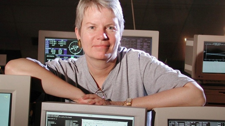 "Jill Tarter, the alien-hunting model for Jodie Foster's character in the movie ""Contact,"" is retiring after 35 years of searching the skies."