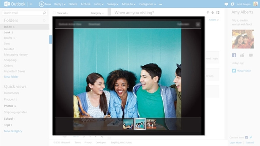 Outlook.coms ActiveView feature brings photos to life.