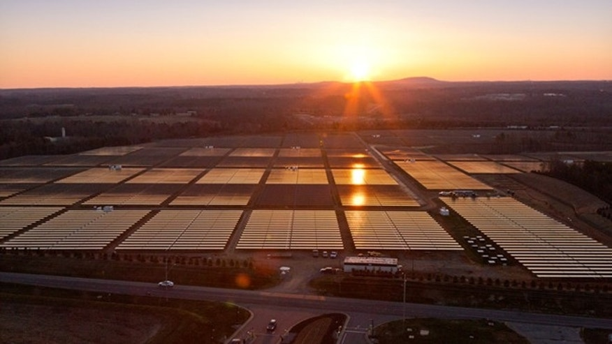 Apple has built the nations largest end user-owned, onsite solar array to supply power to its Maiden, N.C., data center.