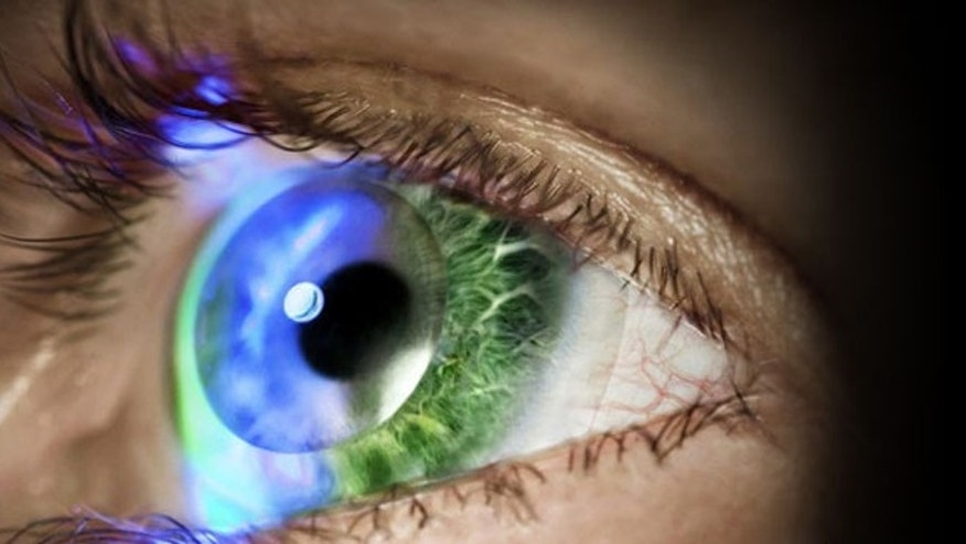 Innovega plans to show off high-tech contact lenses that let the wearer see virtual displays of information -- like floating computer screens before your eyes -- at the 2014 Consumer Electronics Show.