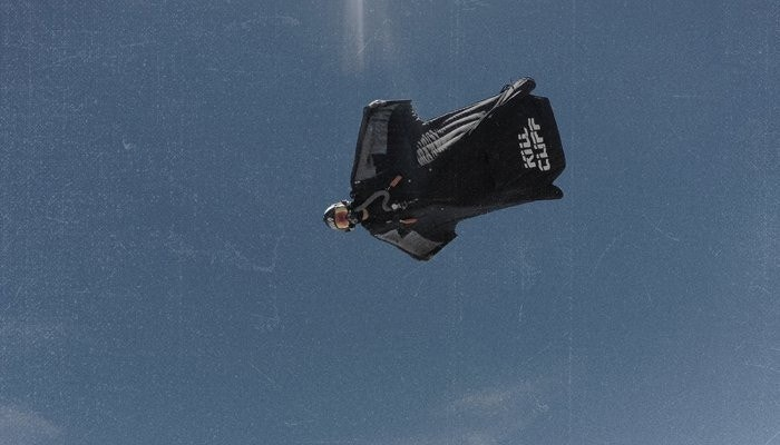 Former navy seal smashes wingsuit distance record in daring flight fox news - Military wingsuit ...