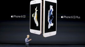 Apple CEO Tim Cook introduces the iPhone 6s and iPhone 6sPlus during an Apple media event in San Francisco, California, September 9, 2015. Reuters/Beck Diefenbach      TPX IMAGES OF THE DAY      - RTSDY3