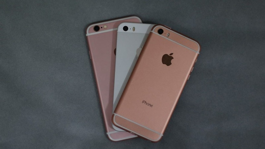 The rumored 'iPhone SE' (top), iPhone 5S and iPhone 6S (Nick from Beeep/Seven Design).