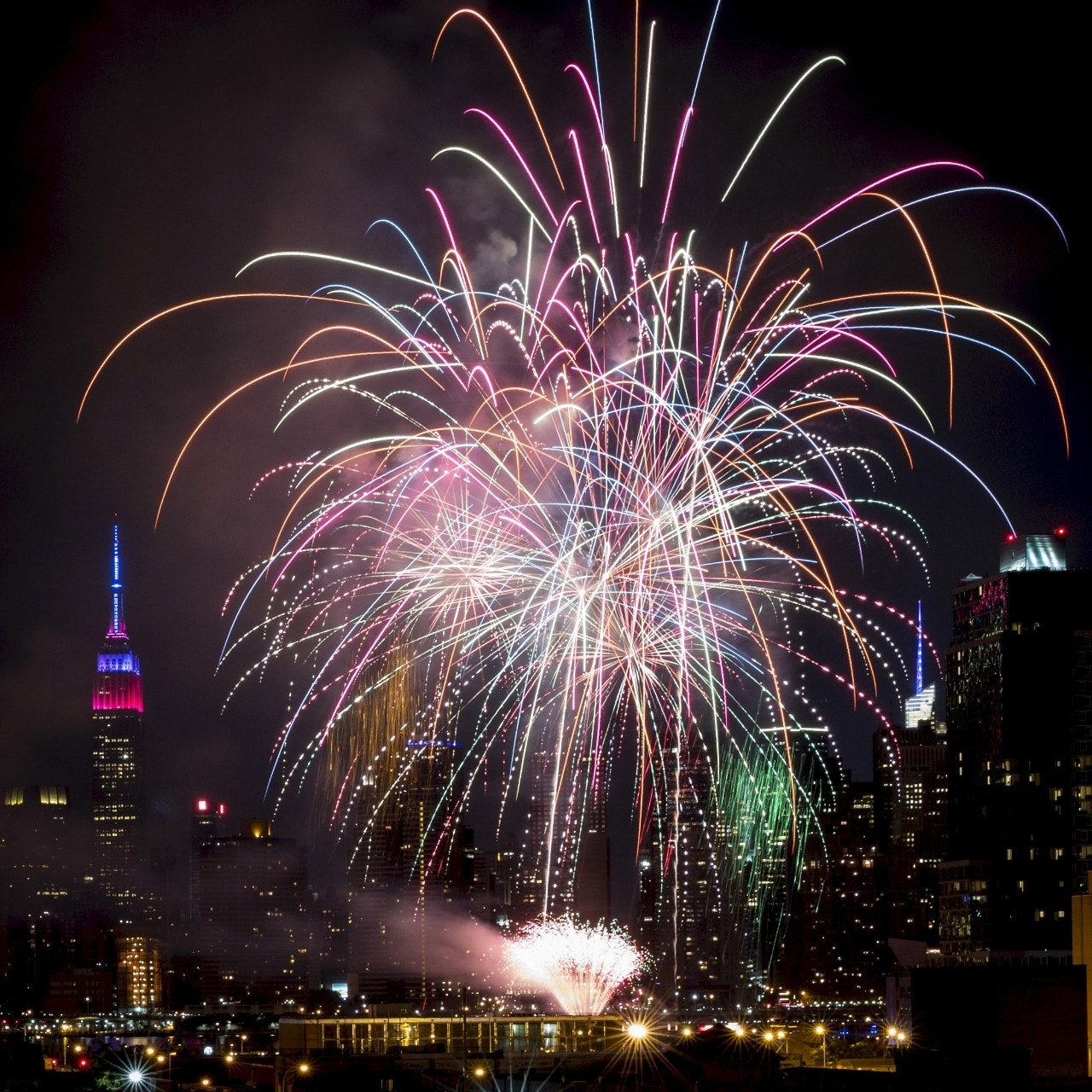 Macy's Fourth of July Fireworks tap tech to light up smartphone screens | Fox News
