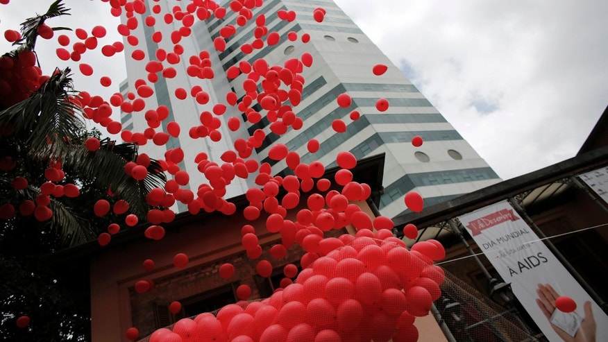 File photo - Red balloons are released to mark World Aids Day at the Emilio Ribas Hospital in Sao Paulo Dec. 1, 2014. (REUTERS/Nacho Doce)