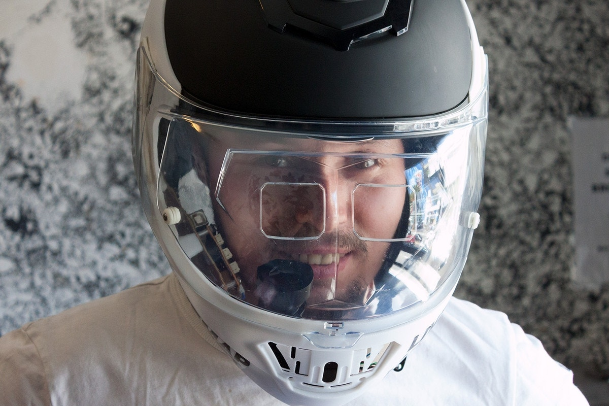 Want A Hud In Your Motorcycle Helmet Livemap Survives
