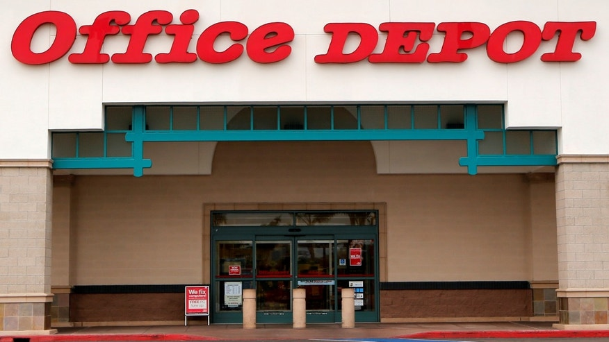 File photo - An Office Depot store is pictured in Encinitas, California, Feb. 19, 2013. (REUTERS/Mike Blake/File Photo)