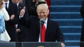 U.S. President Donald Trump gives a thumbs up after being sworn in as the 45th president of the United States on the West front of the U.S. Capitol in Washington, U.S., January 20, 2017. REUTERS/Carlos Barria - RTSWIJE