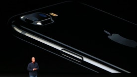 Phil Schiller, Senior Vice President of Worldwide Marketing at Apple Inc, discusses the iPhone 7 during an Apple media event in San Francisco, California, U.S. September 7, 2016.  REUTERS/Beck Diefenbach - RTX2OJS4