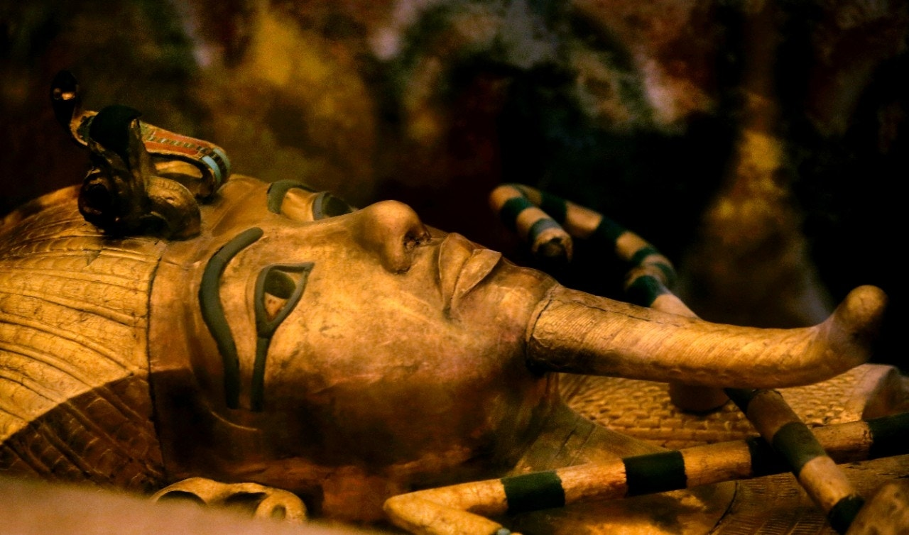King Tut tomb mystery: Experts tap tech in new hunt for ...