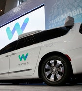 Waymo unveils a self-driving Chrysler Pacifica minivan during the North American International Auto Show in Detroit, Michigan, U.S., January 8, 2017.  REUTERS/Brendan McDermid - RTX2Y0A5