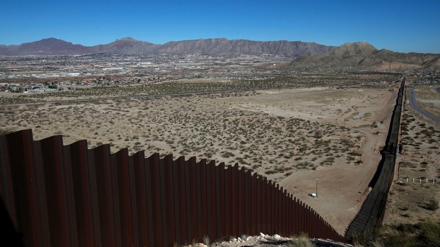 A general view shows a newly built section of the U.S.-Mexico border fence at Sunland Park, U.S. opposite the Mexican border city of Ciudad Juarez, Mexico Jan. 26, 2017. (REUTERS/Jose Luis Gonzalez)