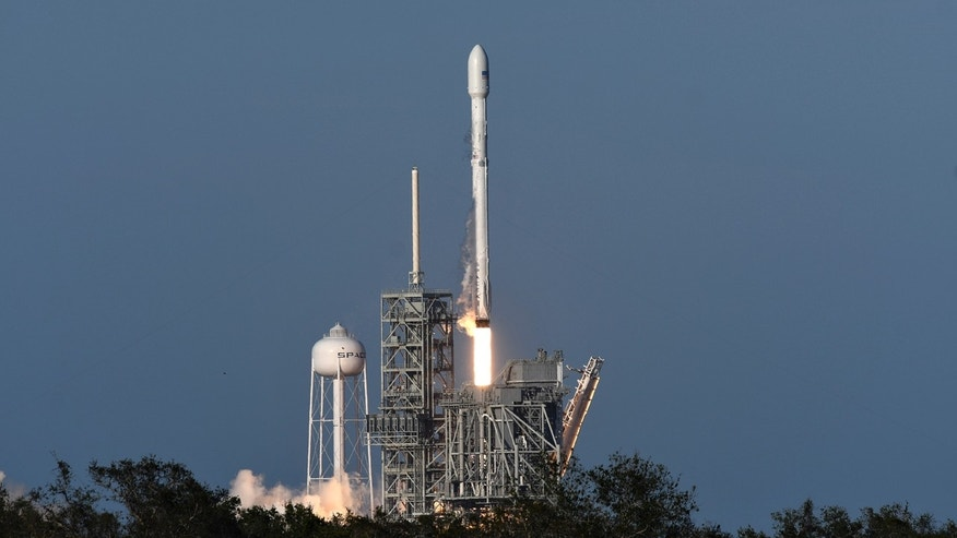 first spacex rocket - photo #27